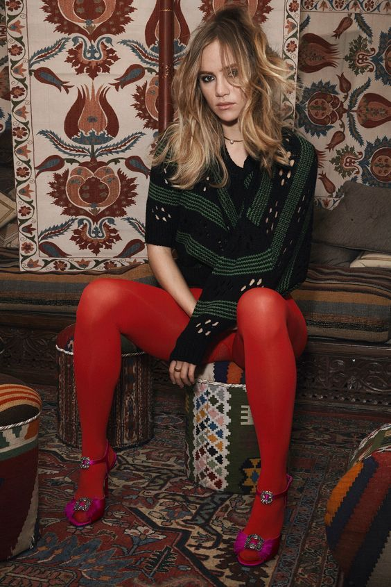 Suki Waterhouse Wearing Red Opaque Tights Vogue Brazil 09 2015 Red Tights Colored Tights Outfit Red Pantyhose