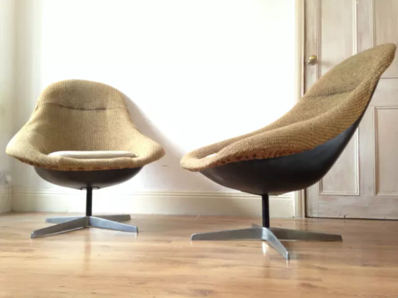 A Pair Of Lurashell Jupiter Swivel Egg Chairs In Antiques, Antique Furniture,  Chairs | EBay!