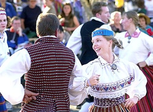 Traditional folk dances from Estonia -- keeping the tradition alive