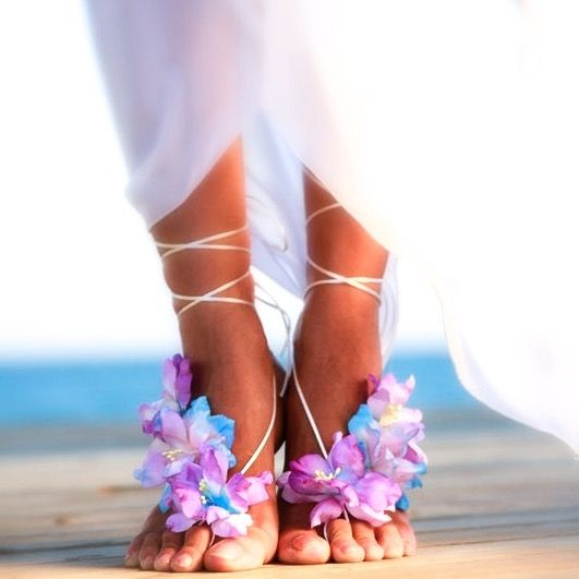Pair Of Tropical Beach Wedding Foot Jewelry Barefoot Sandals For The Brides Feet