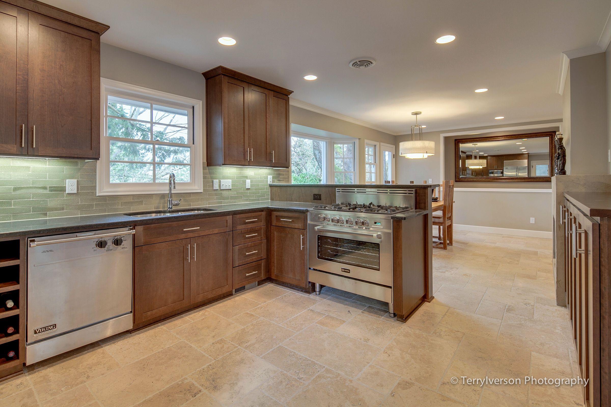 Travertine Kitchen Floor | Kitchen and dining room with travertine ...