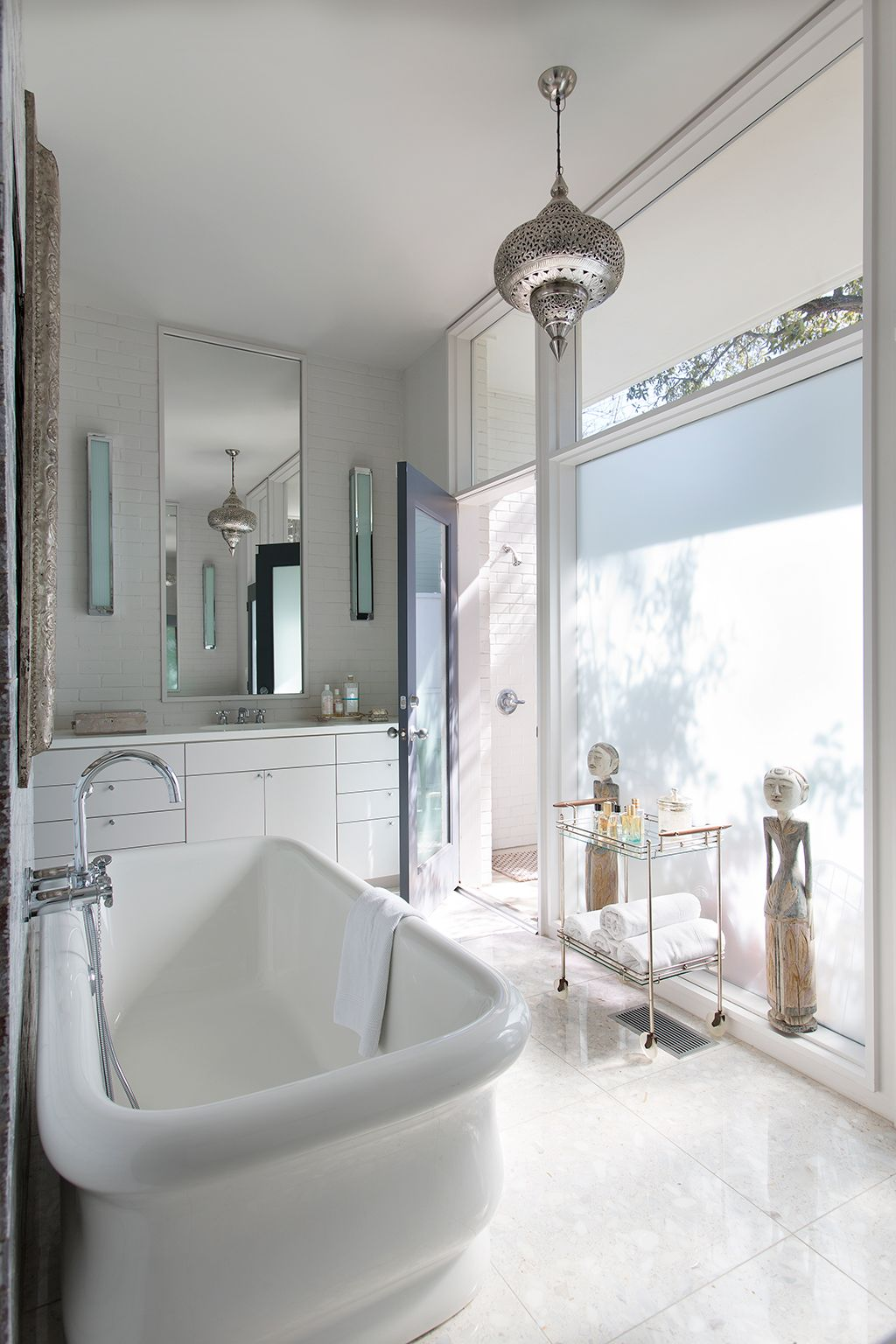 Dallas' Most Glamorous Bathrooms | Glamorous bathroom ...