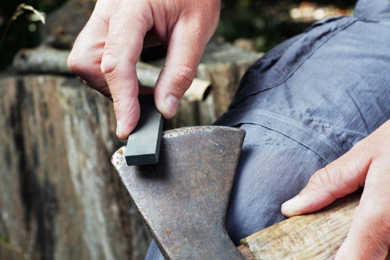 Best Axe Sharpening Stone [Lansky Puck Vs. Gransfors