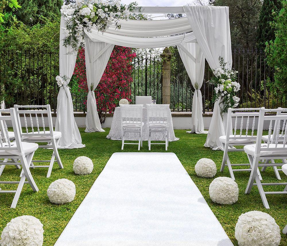 White Carpet Aisle Runners Wedding In 2019 Outside