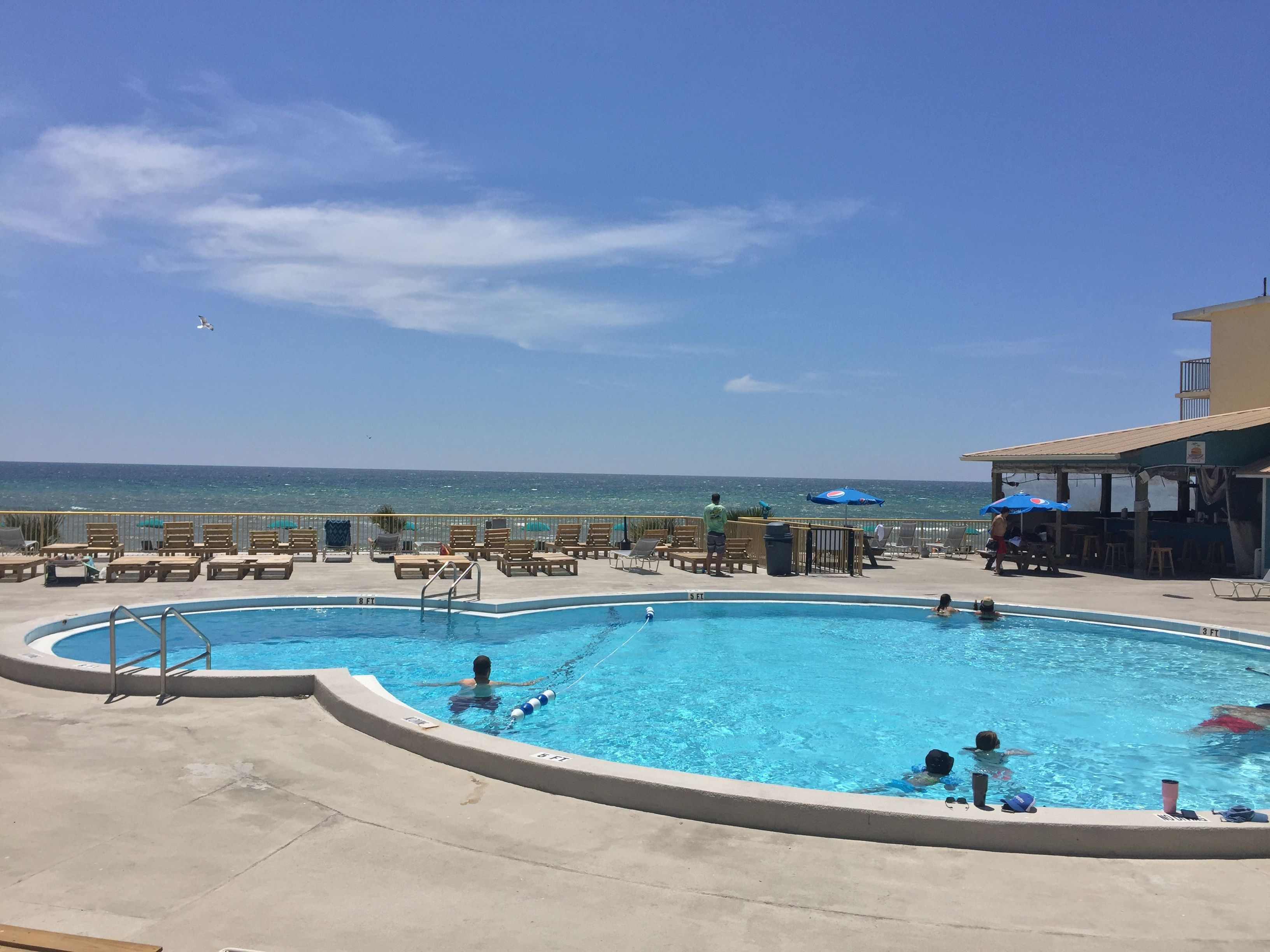 Hanging At The Pool And The Beach At Chateau By The Sea Which Also Has A Poolside Tiki Bar Tha Panama City Beach Resorts Panama City Panama Panama City Hotels