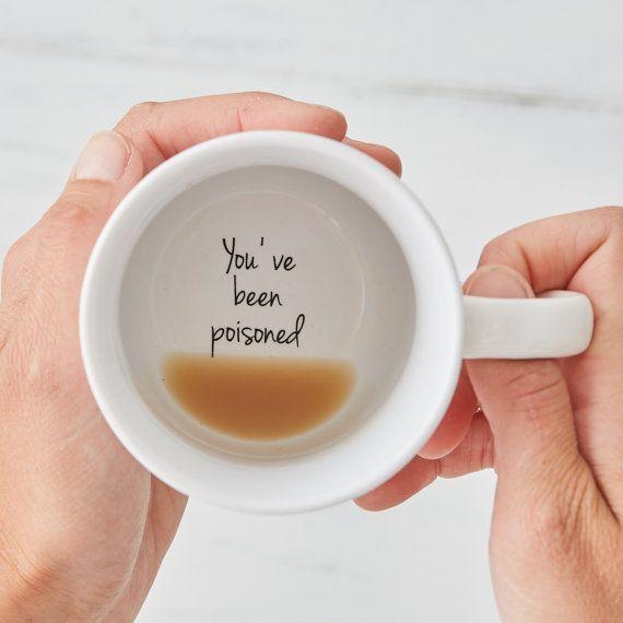 Lustiger Youve wurde Hidden Message Mug für diejenigen mit einem Sinn für Humor vergiftet. ...,  #diejenigen #einem #hidden #lustiger #message #uniquegifts #wurde #youve, Geschenk #teamugs