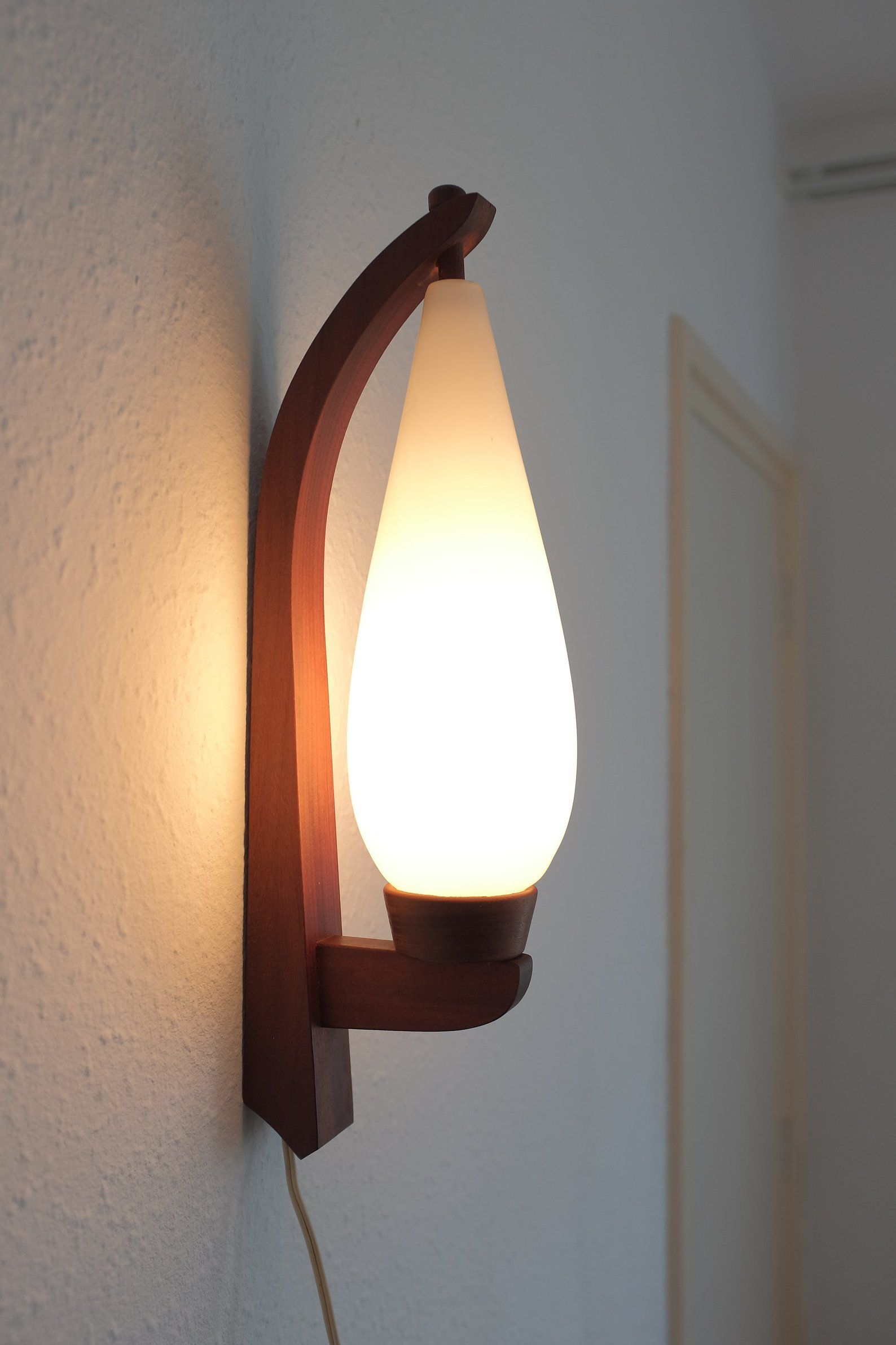Teak Wooden Wall Lamp Very Rare Vintage Wall Mounted Lamp 60s Wall Lamp Danish Design Frosted Glass Satin Milk Glass Wall Mounted Lamps Wall Lamp Mid Century Modern Wall Lamp