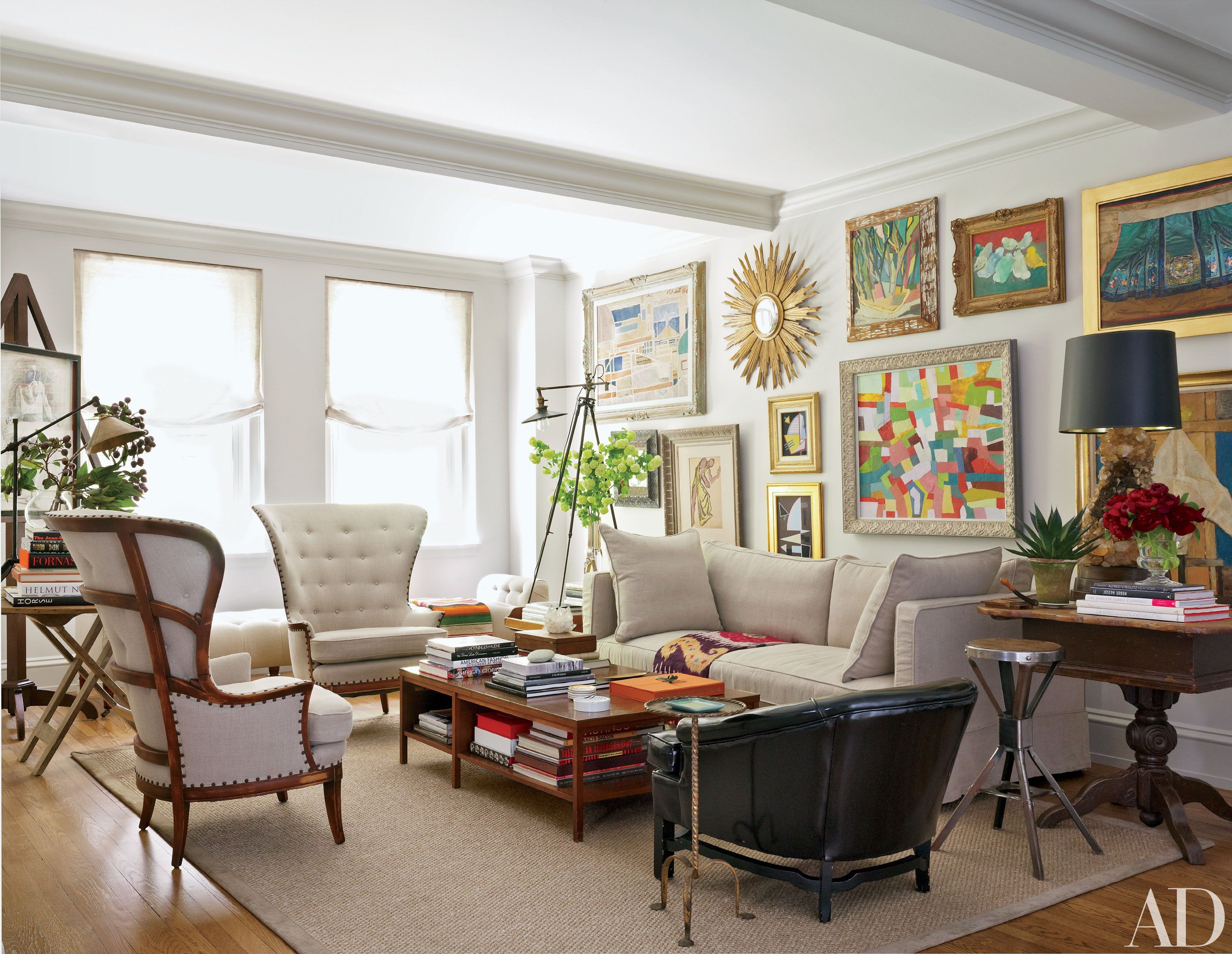 Salon Style New Yorkais artworks get maximum impact with salon-style walls | home