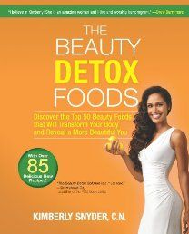 The Beauty Detox Foods: Discover the Top 50 Beauty Foods That Will Transform Your Body and Reveal a More Beautiful You - In her bestselling book, The Beauty Detox Solution, Kimberly Snyder—one of Hollywood's top celebrity nutritionists and beauty experts—shared the groundbreaking program that keeps her A-list clientele in red-carpet shape. Now you can get the star treatment with this guide to the top 50 beauty foods that will make you more beautiful from the inside out.