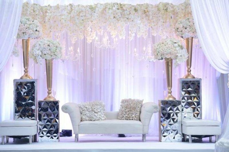 Dekorasi Pelaminan Minimalis Untuk Pesta Pernikahan Di Rumah