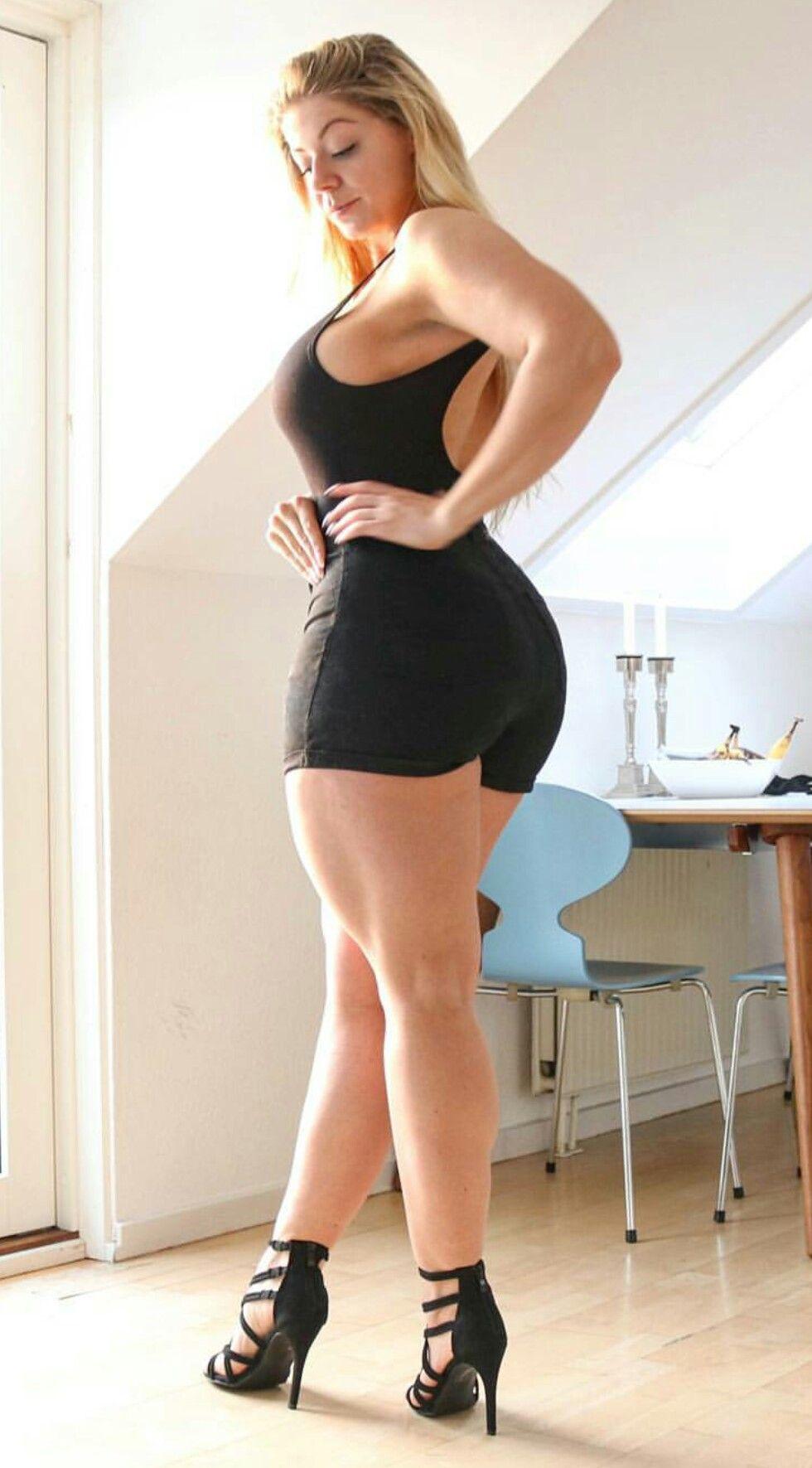 Mia Sand #MissMiaFit #blonde #curves #Beautiful # ...