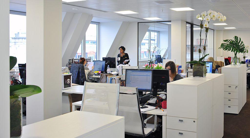 Worke And Office Design Projects In London Michael Kors Armários Mais Altos Privacidade Unie Interior