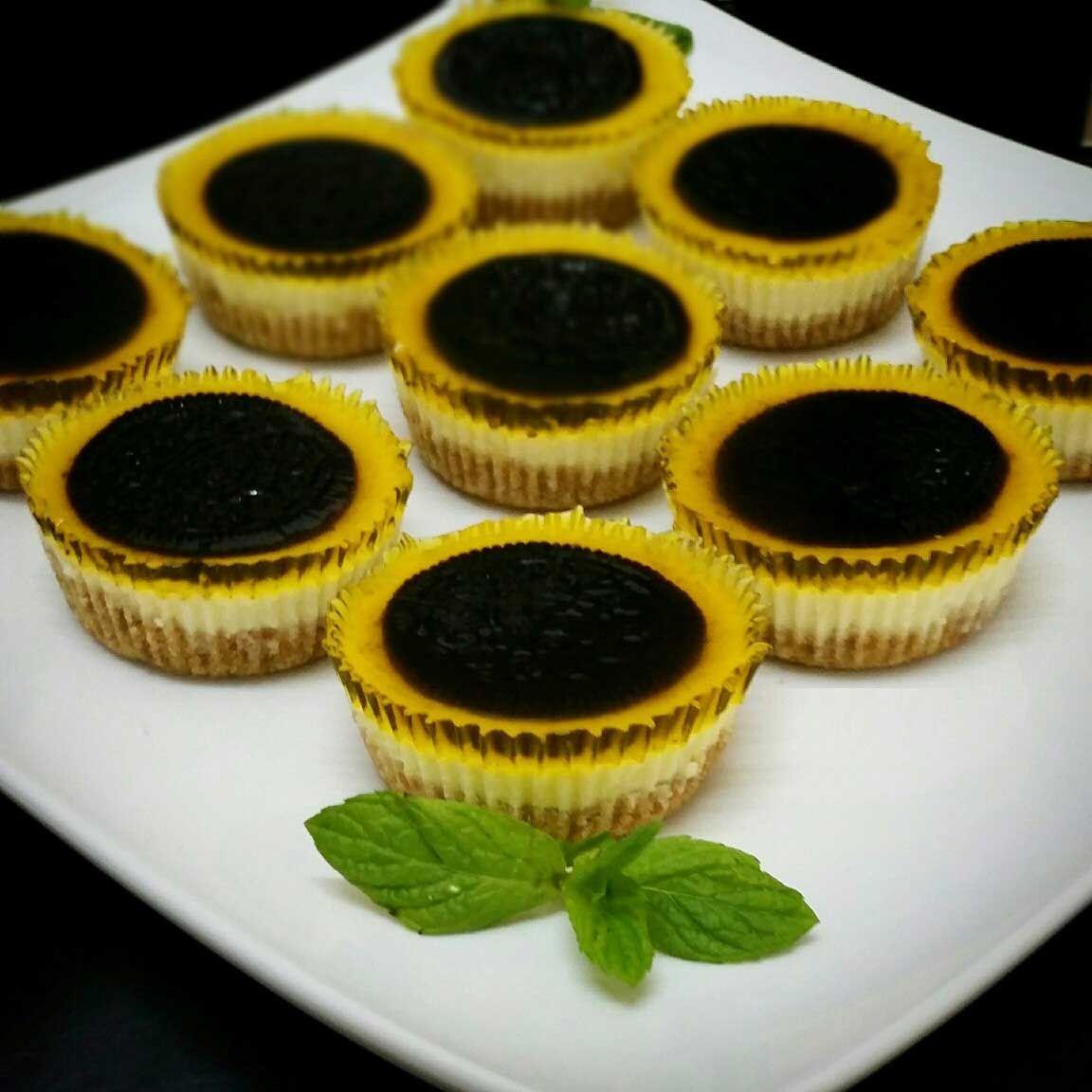 حلى دوار الشمس حلوة شكلها واو طعمها لذيذ جدا Mini Cheesecake Desserts Cheesecake