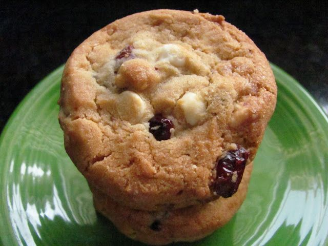 OuR KrAzy kItChEn...: Save Room for Dessert...White Chocolate-Strawberry-Cranberry Cookies