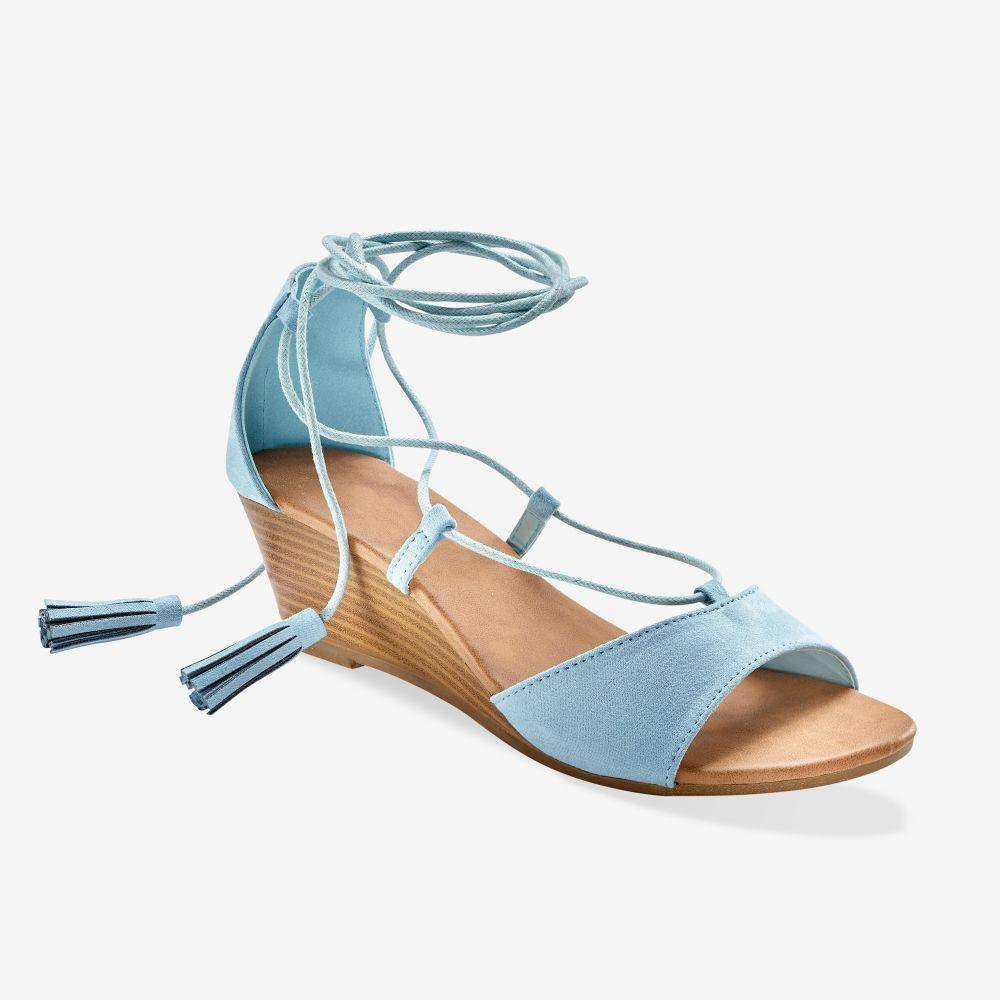 Cette sandale enlacera votre cheville de la plus jolie des