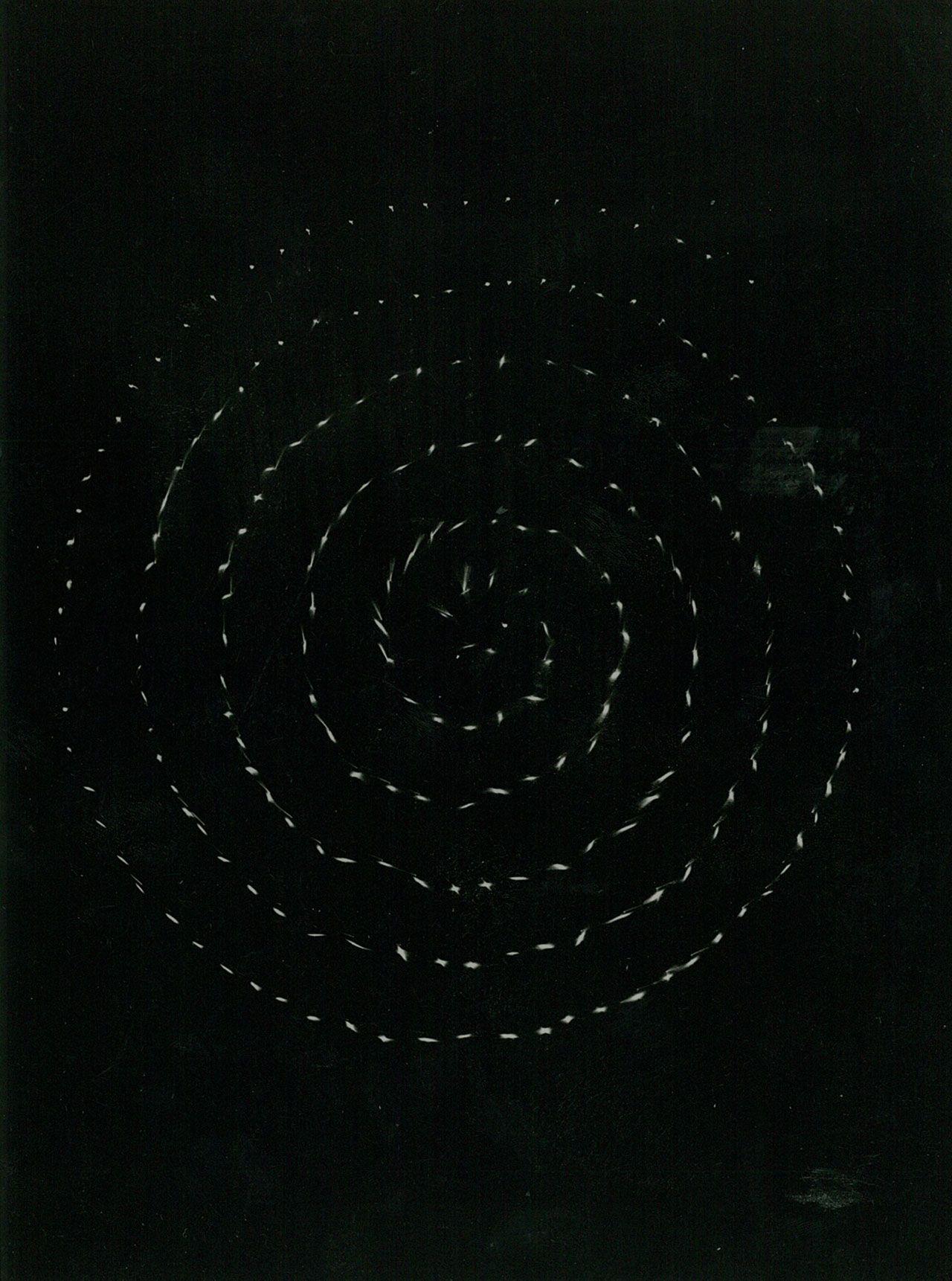Gabriele Devecchi, Spiral and interactive version of Superficie in vibrazione exhibited during Miriorama 3, Galleria Pater, Milano, January 29 – Febryary 7, 1960