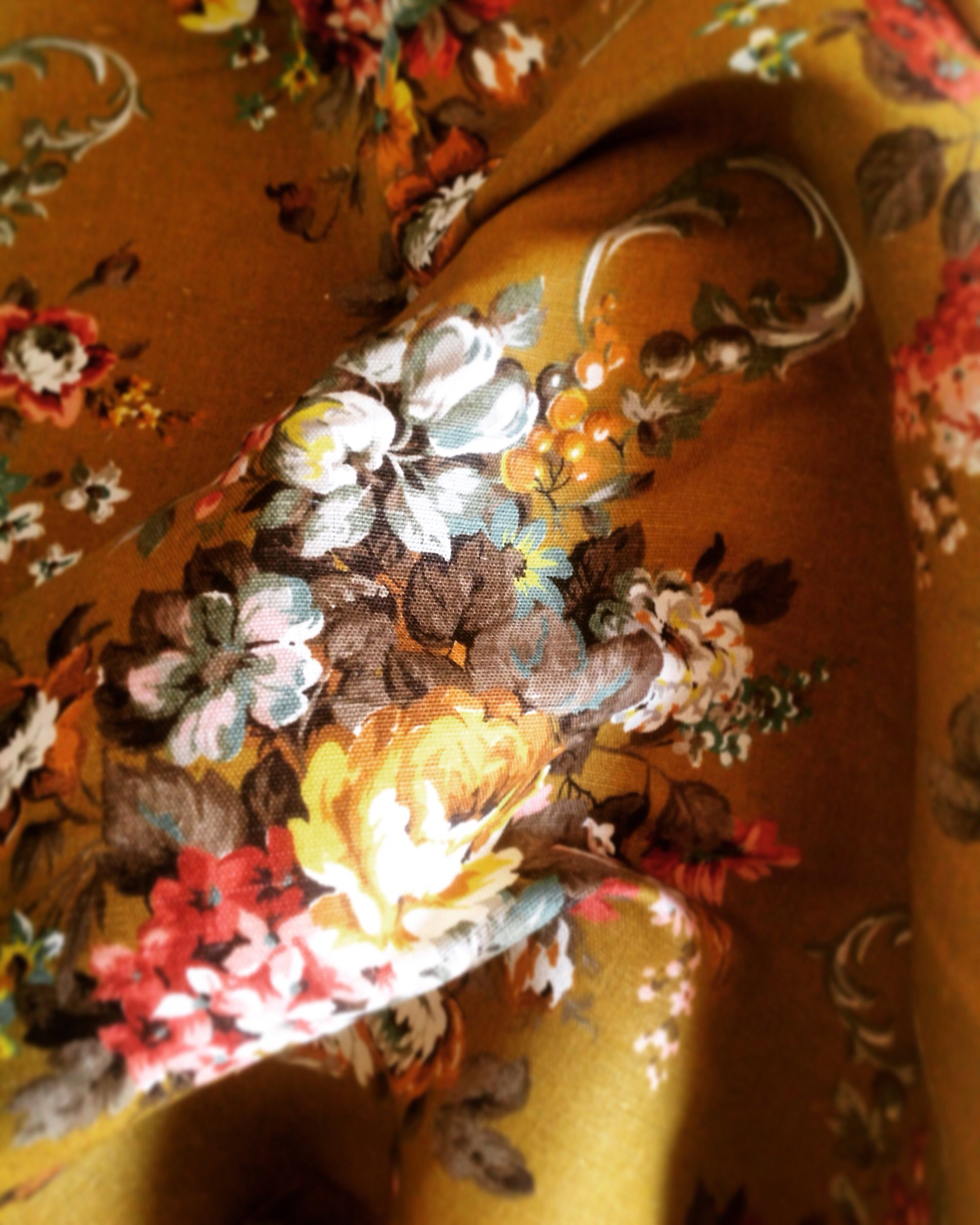 Vintage floral Sunlover fabric at Phillips & Cheers