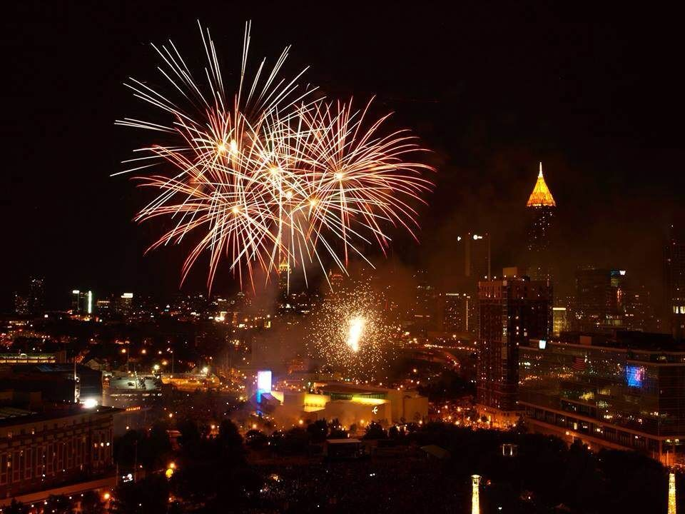 Fireworks over downtown Atlanta New years eve atlanta