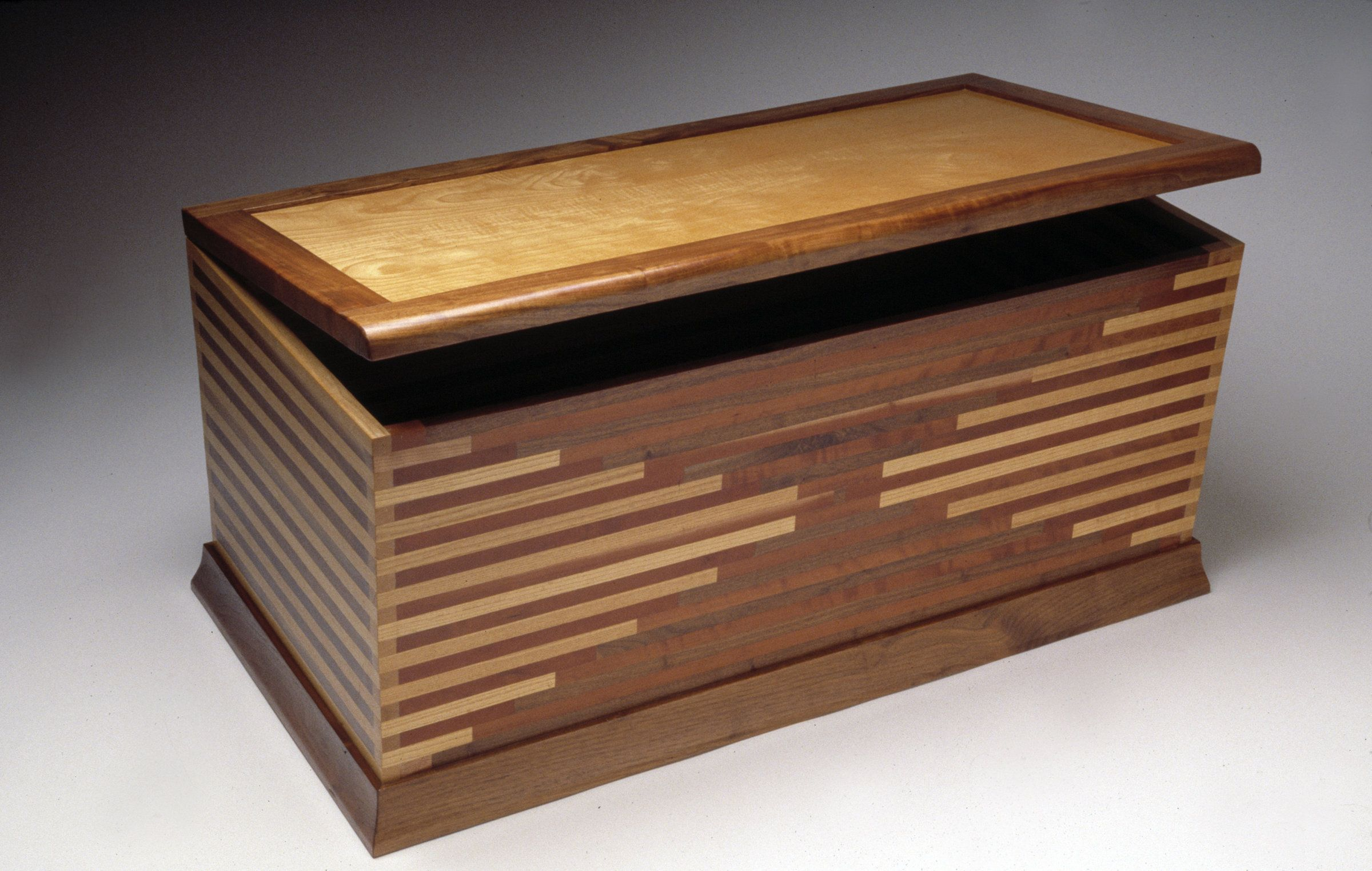 popular woodworking plans for a hope chest table for