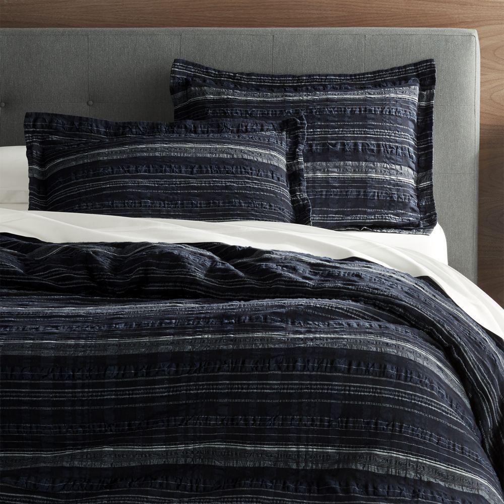 modern master bedroom with threshold seersucker duvet cover set | Nagano King Seersucker Duvet Cover + Reviews | Crate and ...