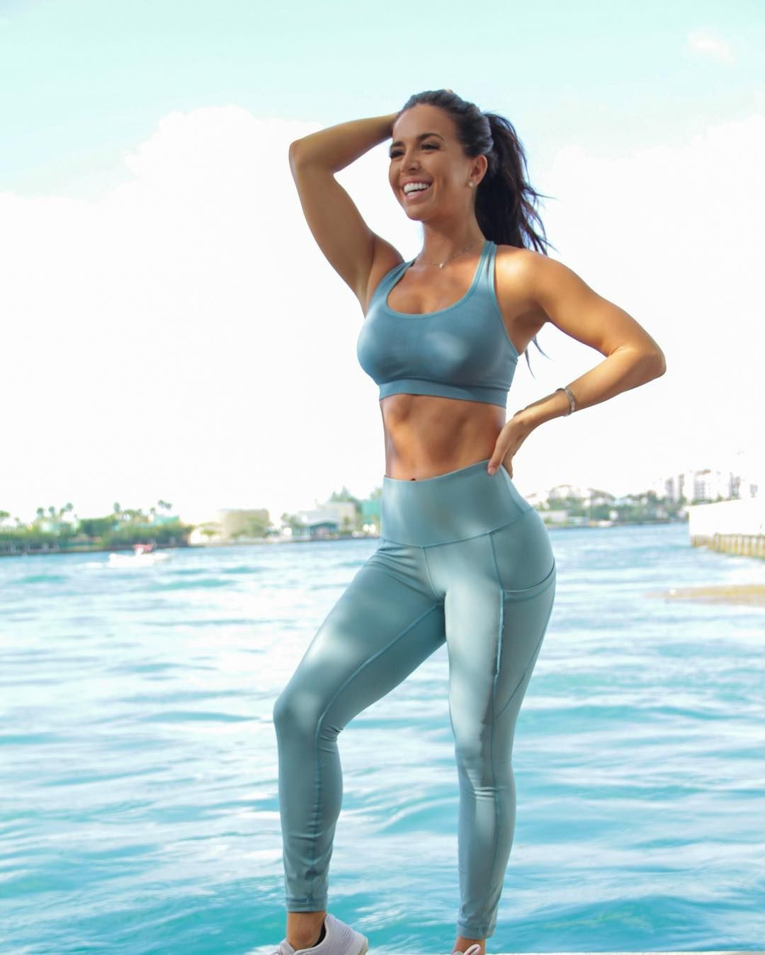DEBATE sobre belleza, guapura y hermosura (fotos de chicas latinas, mestizas, y de todo) - VOL II - Página 6 E5435c08d210583d04b751222d2c8fbb