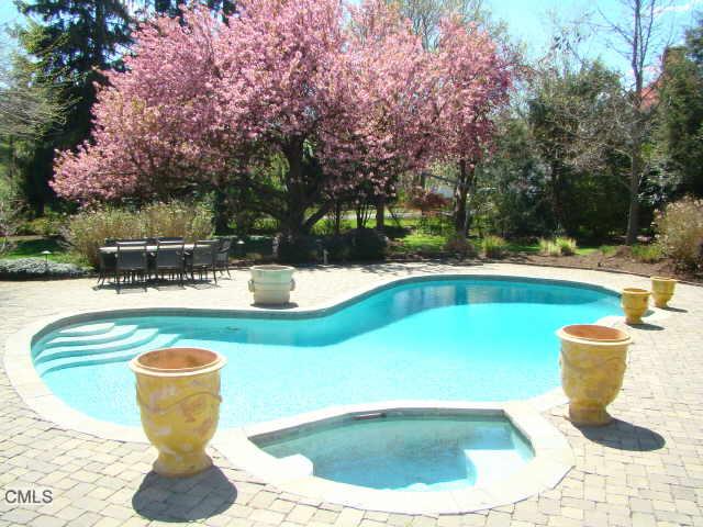 Long Lots Road Inground Pool On 1 Acre In Westport Backyard Pool Parties Backyard Oasis Inground Pools
