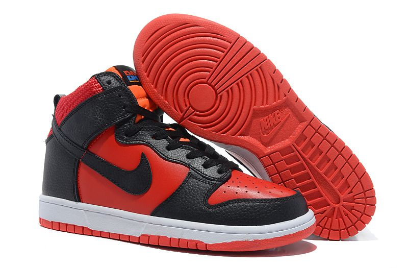 black red nike shoes 940772
