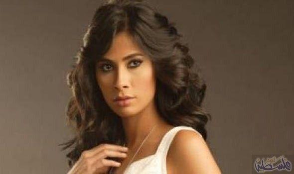 محكمة الأسرة تفصح عن تأجيل دعوى روبي لخلع زوجها إلى 25 تشرين الأول Hair Styles Long Hair Styles Hair