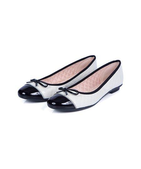 9f15de24a Sapatilha Moleca Bege E Preto - C&A Por: R$ 49,90 | Sapatos em 2019 ...