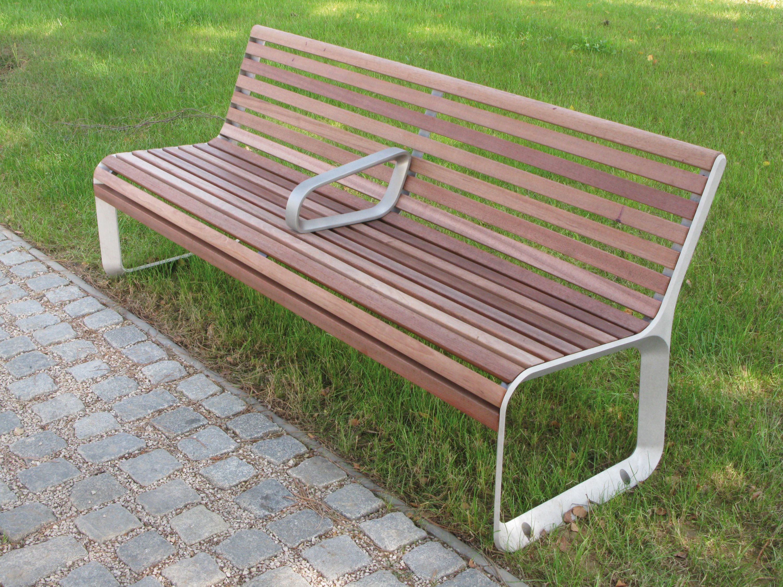 parkbank mit lehne seitenteile aus aluguss sitzfl che und r cklehne aus massivholz befestigung. Black Bedroom Furniture Sets. Home Design Ideas