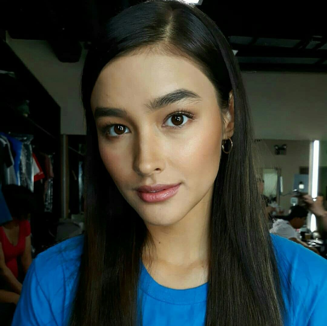 Pin By Alicia Chandler On Graduation Makeup In 2020 Beauty Liza Soberano Beautiful Girl Face