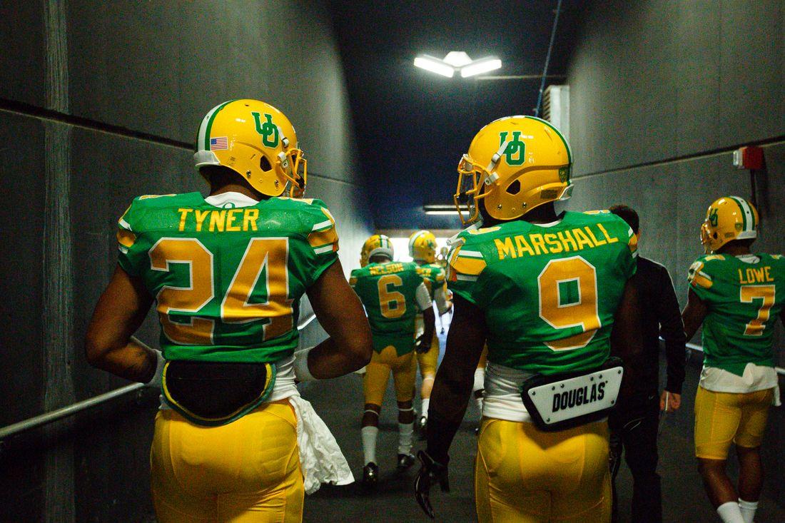 the best attitude 2a2a9 d226c Oregon Ducks running backs Thomas Tyner (24) and Byron ...