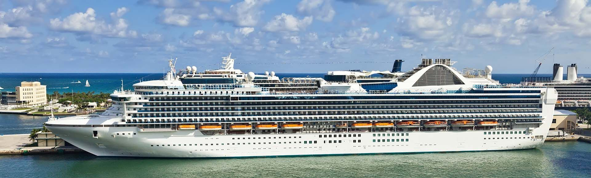 Port Everglades Cruise Parking Offers Friendly And Free Services Such As Shuttle Tire Pumps Snacks Assistance With Accessories Bathr With Images Cruise Everglades Park