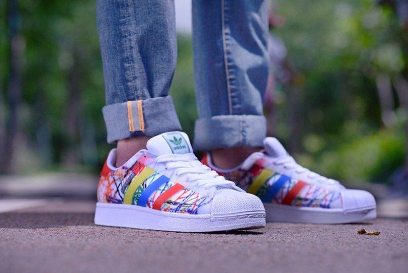 Prämie B35842 Adidas Schuhe Graffiti Sport Original Superstar Herren vq8FP a23bdea44a