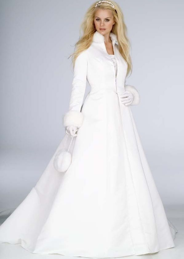 Winter Wedding Fashion Dressess Gowns With Sleeves Gloves And Fur