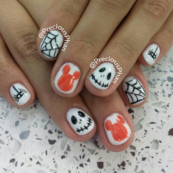 Mikey mouse, Halloween nails | Mickey nails, Halloween ...