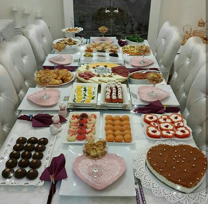 Viva Olivia Adli Kullanicinin Breakfast Kahvalti Sofralari Invitation Food Panosundaki Pin Yemek Sunumu Yemek Susleme Yemek Masasi