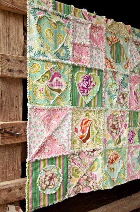 Free Pattern Happy Heart Flannel Quilt @Adrienne Raptis-To-Sew.com