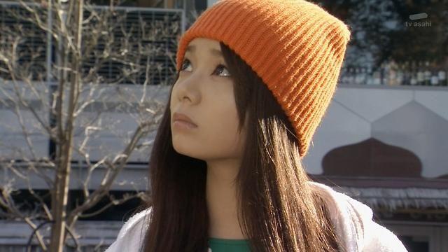ニット帽をかぶった森カンナ
