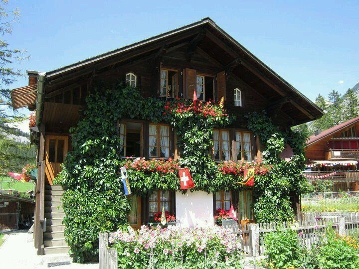 C88f717363344882bb03855ef4311d3e Jpg 720 540 Pixels Swiss Chalet Craftsman Style Homes Chalet