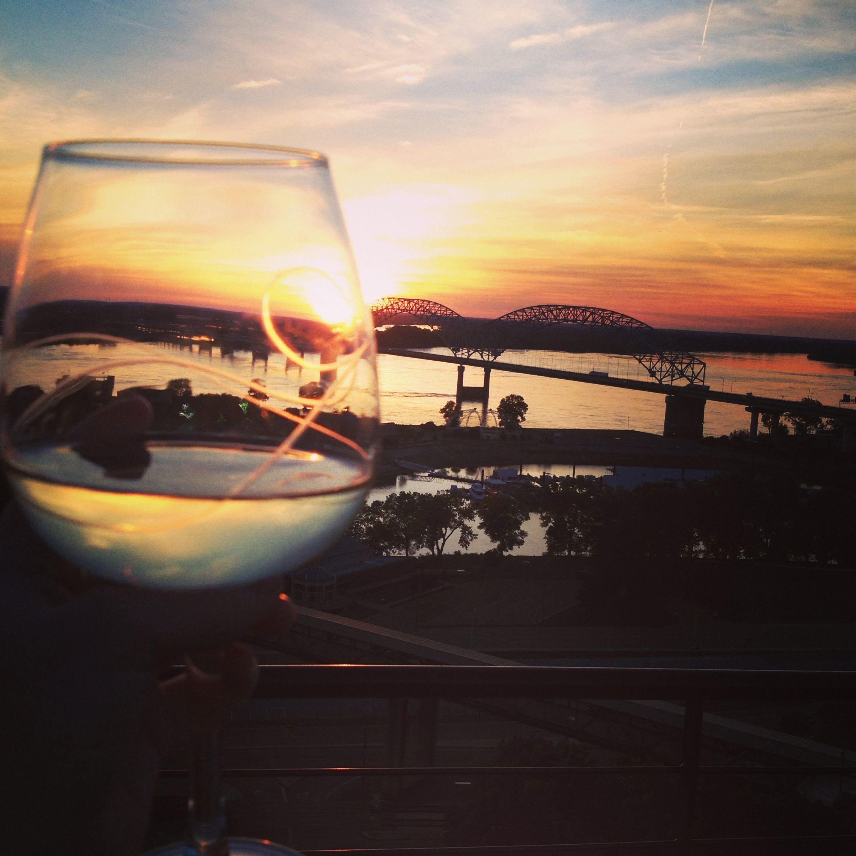 Memphis wine drinkers