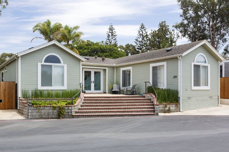 Photos A nearly 4 million mobile home Luxury mobile