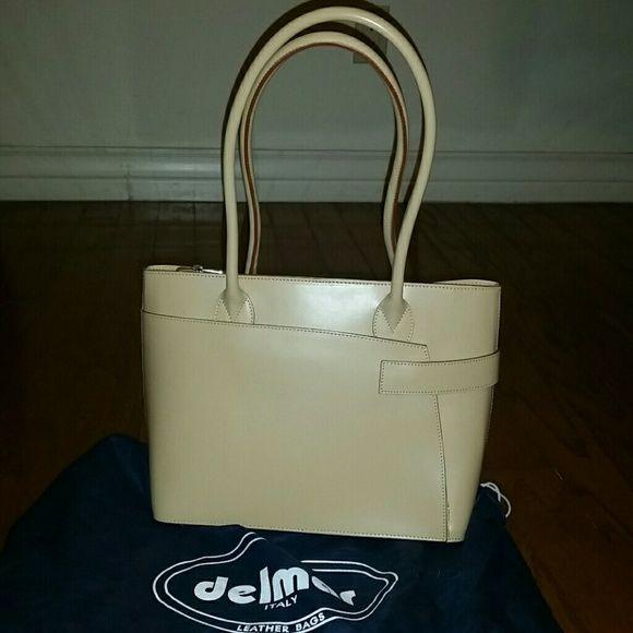 NEW leather handbag by delmar NEW leather handbag, Parisline by del mar, purchased in italy, great camel color delmar Bags Totes