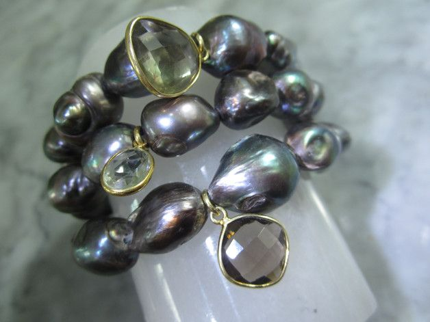 Perlenarmbänder - Charms Armband Perle Barock Rauchquarz Biwa Tahiti - ein Designerstück von TOMKJustbe bei DaWanda
