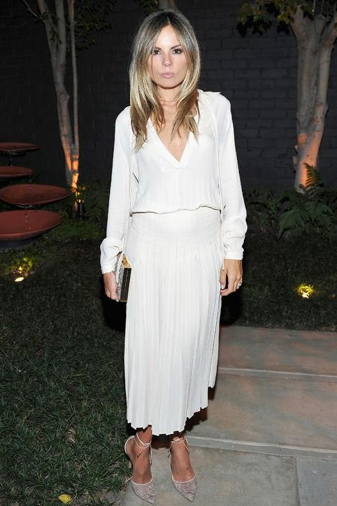 2be52b0f04 Click for stylish outfit ideas you can wear to your work holiday party (we  love this all-white look!)