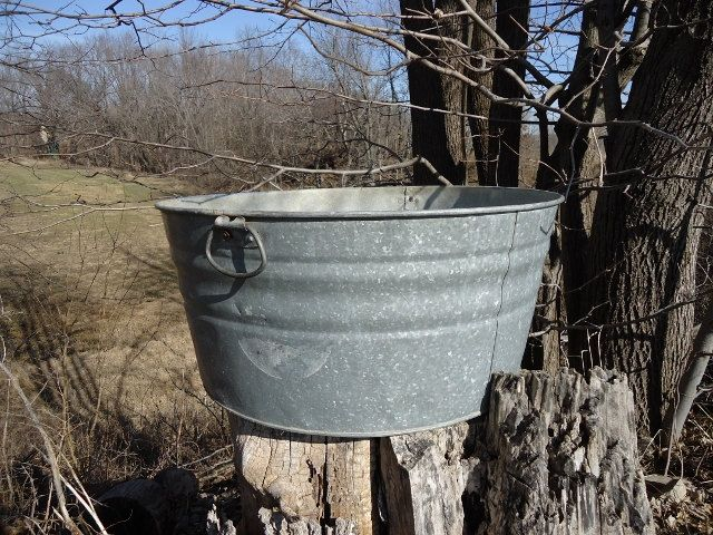 vintage large galvanized wash tub