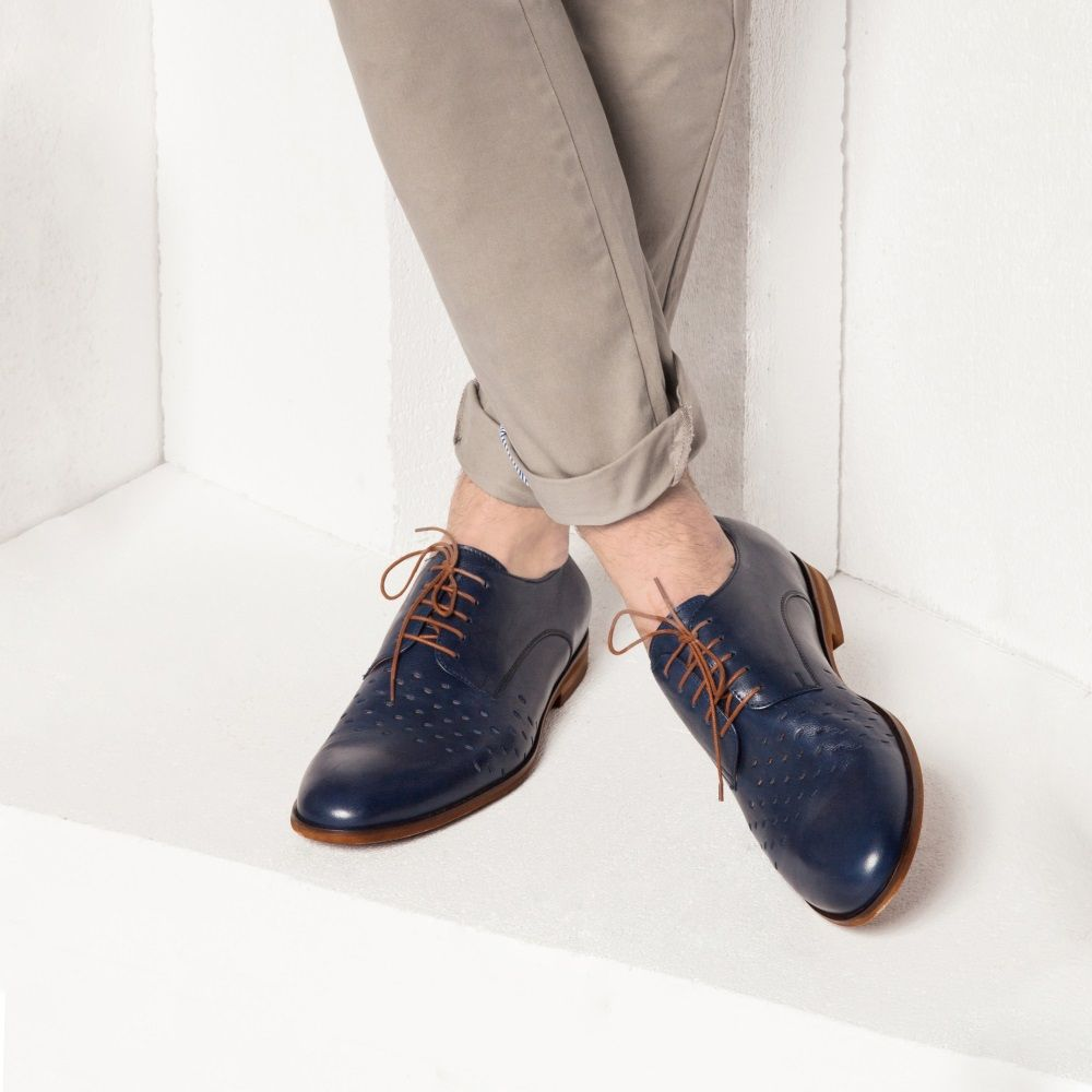Blue and brown, plus perforated leather. Comfort and looks for Spring/Summer 2016. #leathershoes #mensshoes #genuineleather