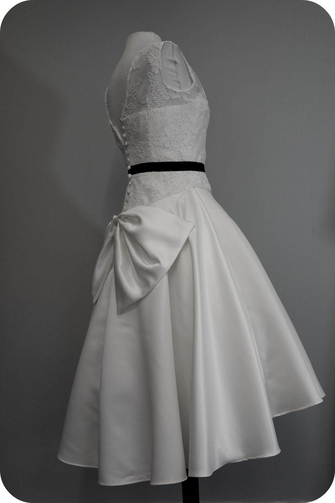 Wedding dress with bow on back  emmas fifties style bow back wedding dress  us  Glam u picsK