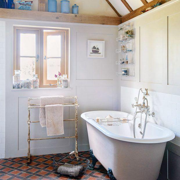 Looking Good Bath Mat Freestanding Bath Rustic Bathrooms And - Bathroom with freestanding bath