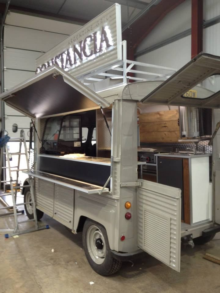 Constancia Citroen H-Van A low budget way can be the best way. Keeping a food truck clean and simple--- and original!